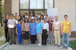 Международный Комитет Красного Креста обучает военных медиков.