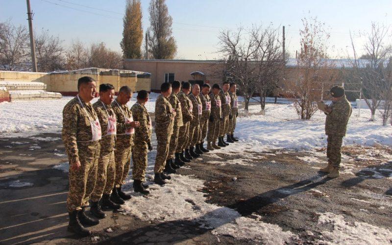 Проведение оперативных сборов руководящим составом ВС КР