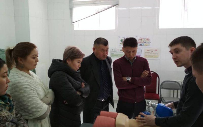 Инструктора МККК передают опыт военным медикам